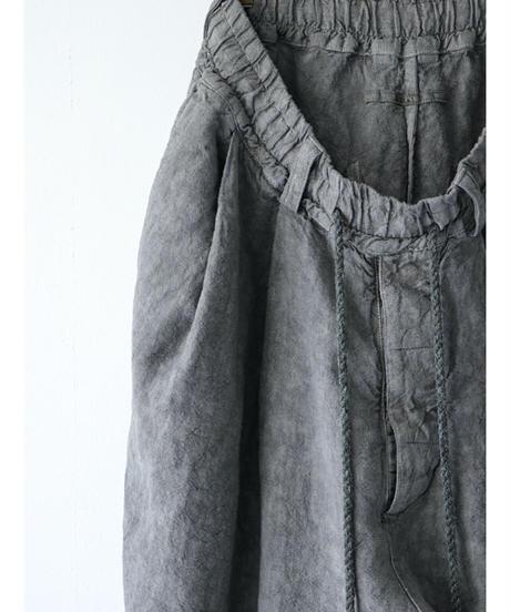 Vital / VT-2000-1 / Sumi Dyed Tuck Shorts / GREY