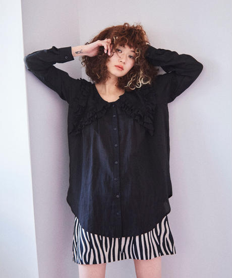 frill big collar blouse BLACK