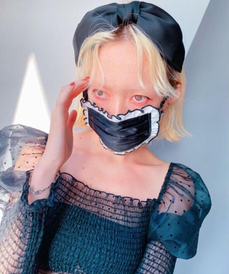 satin frill face mask BLKWHT