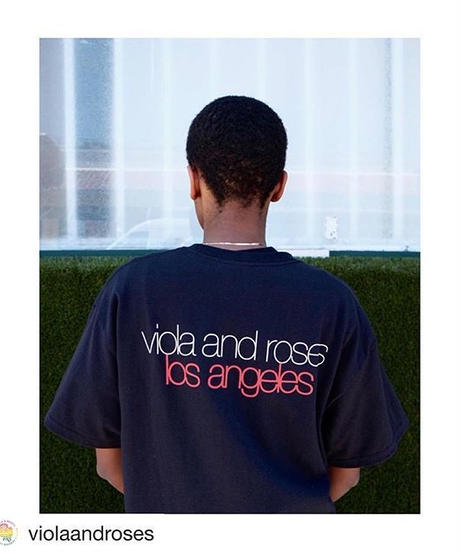 VIOLA&ROSES LC LETTERS TEE