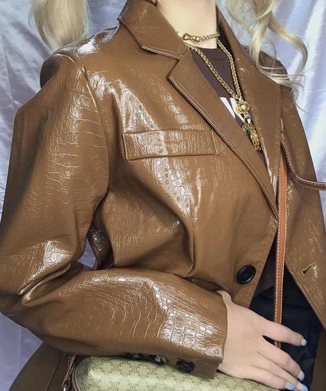 エナメルクロコ型押しジャケット