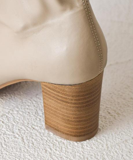 (グレージュ) この履きやすさに感動。ウッドヒールストレッチブーツ 7474
