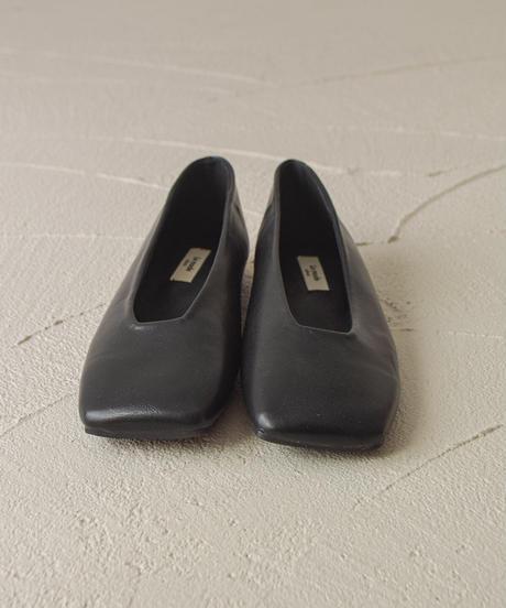 (ブラック) モードなスタイルに。スクエアトゥパンプス 1-8513