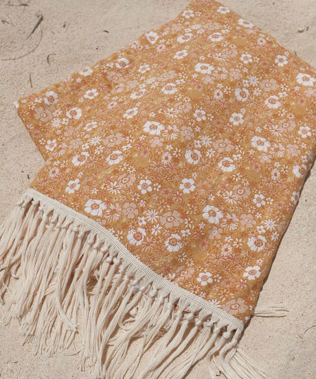Fringe Beach Towel /Flowers
