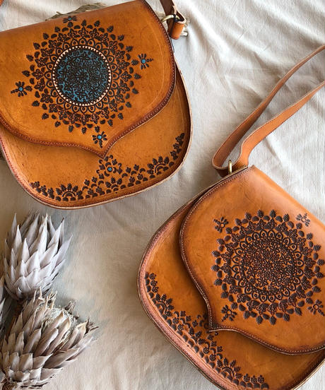 Carving shoulder Bag