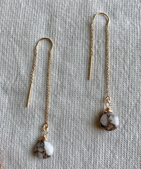Wave Kalusaito Earrings  / white