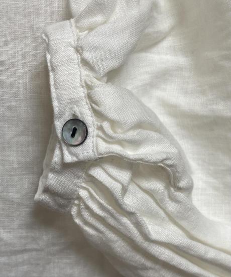 生地洗いリネン無地  バンドカラーパフスリーブブラウス 2color 〇ub-0129
