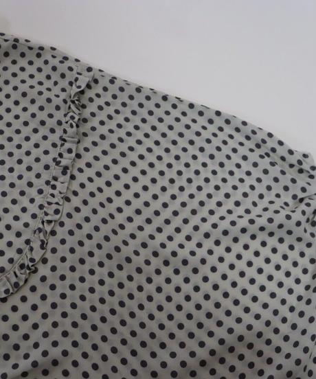 レーヨンドットプリント バンドカラー胸元フリルU字切替 貝釦変形プルオーバー 3color  〇ub-0186