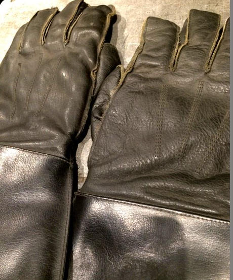 Vintage Motorcycle Glove 3