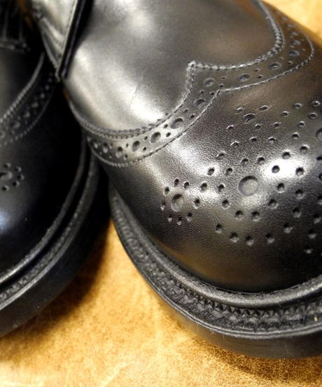 18.27 Rejected Tricker's / Black / Country Brogue Shoes / Leather Sole / Size 6 half , 4fitting