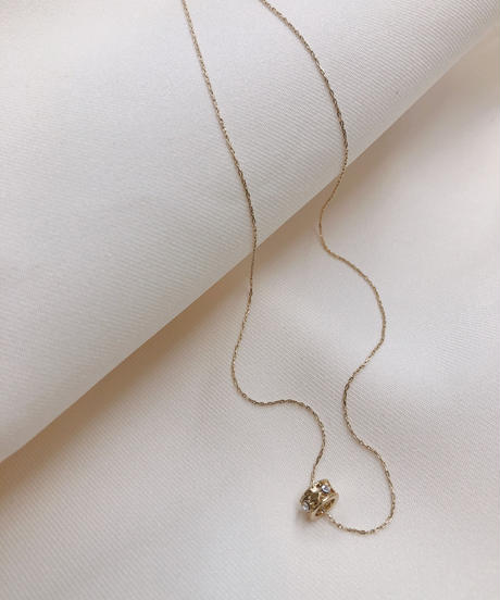 GLASS STONE CIRCLE NECKLACE