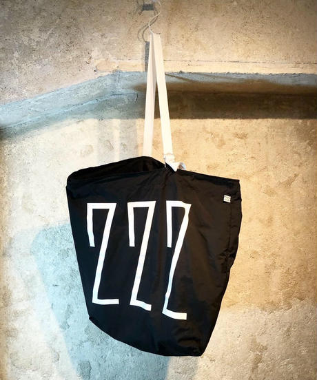 NUMBER BAG / black