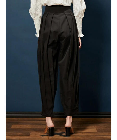 GHOSPELL / Performance Pleat Trousers