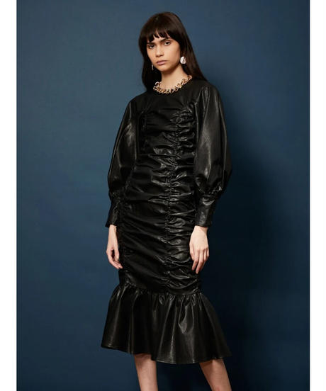 GHOSPELL / In the Aisles Ruched Midi Dress