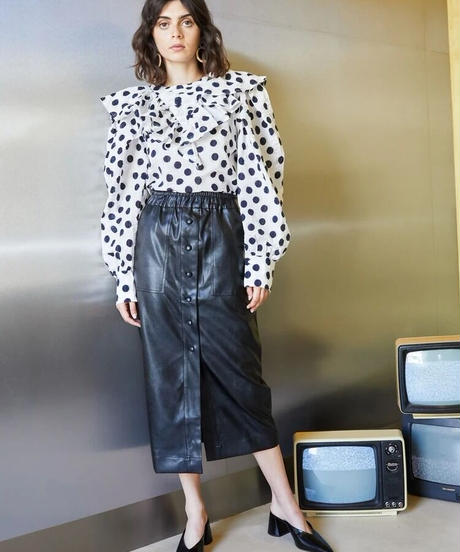 GHOSPELL / Off-air Faux Leather Midi Skirt