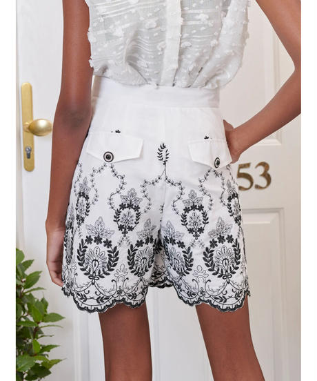sister jane / DREAM Ernest Embroidered Scallop Shorts