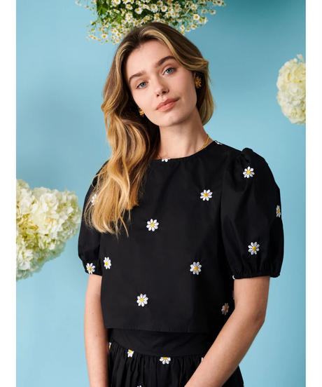 sister jane / Dear Daisy Embroidered Crop Top