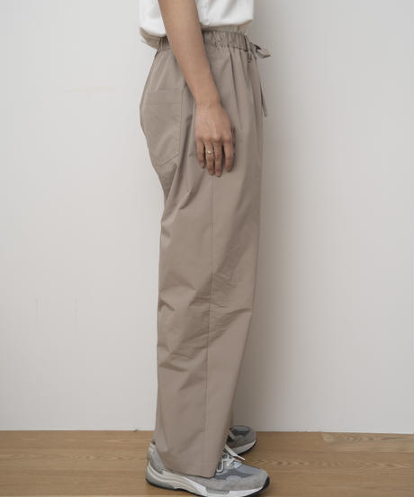 【4.27[tue]20:00‐PRE‐ORDER】SOLOTEX®✕ECOPET® WIDE EASY PANTS  (BEIGE)