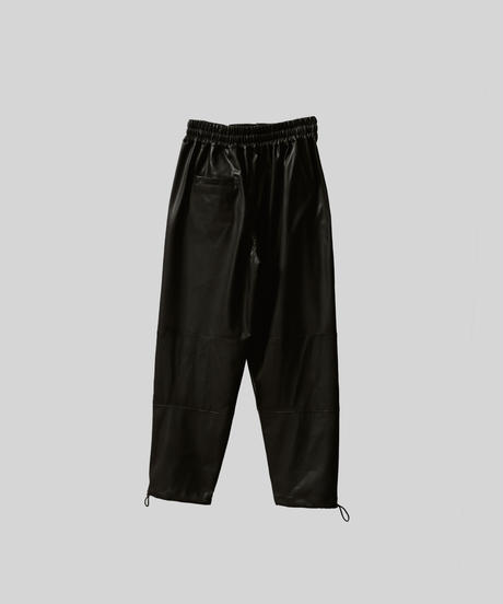 【3.27[sat]20:00‐PRE‐ORDER】SYNTHETIC LEATHER EASY PANTS (BLACK)