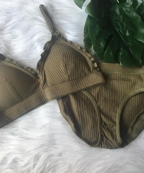 Sサイズ・Mサイズ展開【cotton khaki bralette set up】