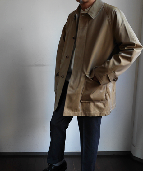 INVERTÈRE Raglan Coat with Detachable Vest