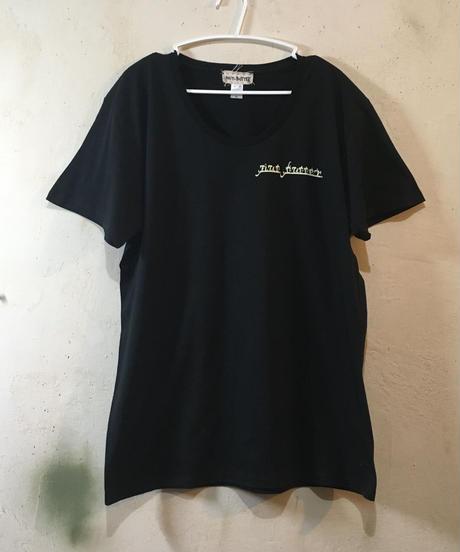 アンダーTシャツ/ブラックxオフホワイト