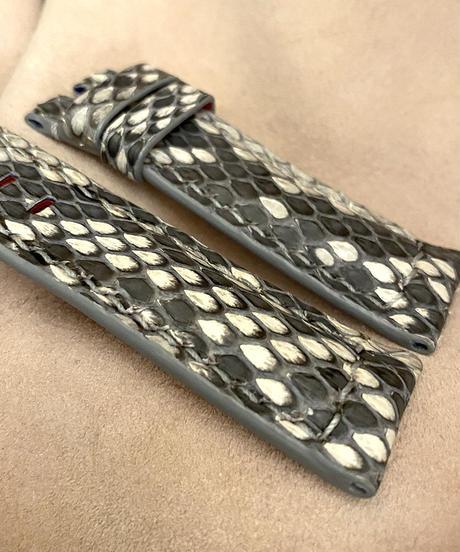 パイソン レザー 腕時計ベルト ホワイト/ブラック (ラグ幅22mm - バックル幅20mm) pyt-54
