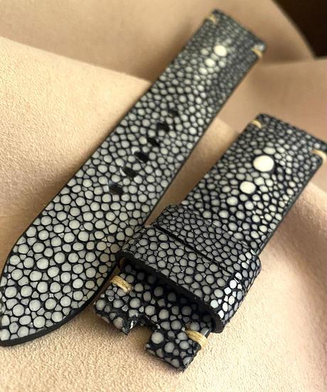 スティングレイ  腕時計ベルト ブラック (ラグ幅22mm - バックル幅20mm)  sti-35
