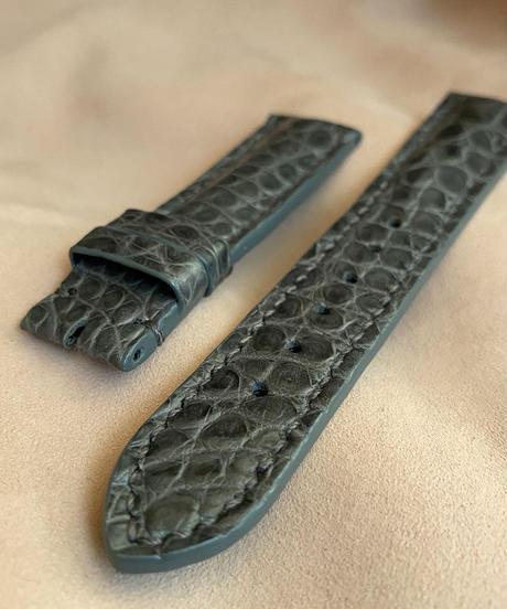クロコダイル レザー 腕時計ベルト グレー (ラグ幅20mm - バックル幅18mm) cro-508
