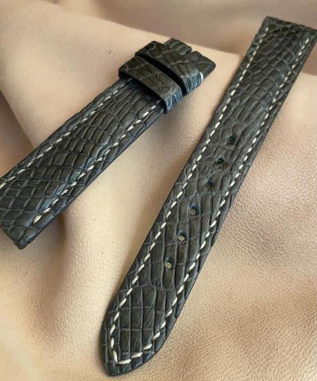 クロコダイル レザー 腕時計ベルト グレー (ラグ幅18mm - バックル幅16mm) cro-418