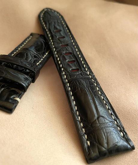 クロコダイル レザー 腕時計ベルト ブラック (ラグ幅22mm - バックル幅20mm) cro-500
