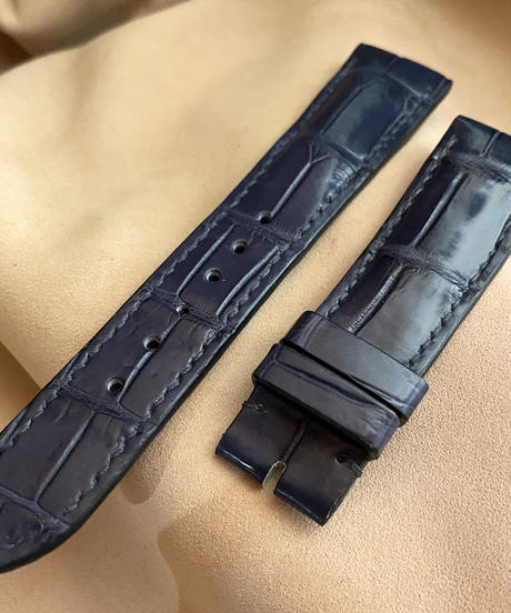 cro-557 クロコダイル レザー 腕時計ベルト ネイビー (ラグ幅21mm - バックル幅18mm)