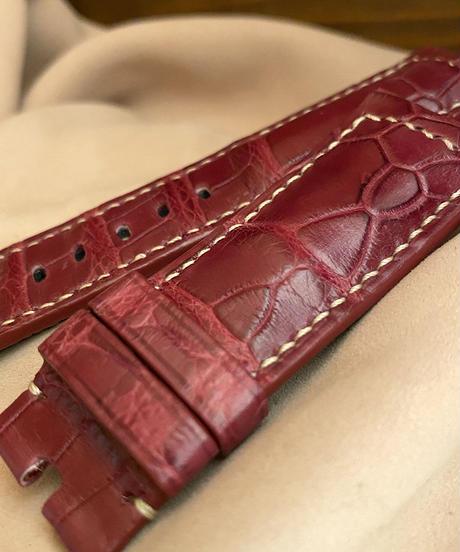 cro-539 クロコダイル レザー 腕時計ベルト レッドプルーン (ラグ幅24mm - バックル幅22mm)