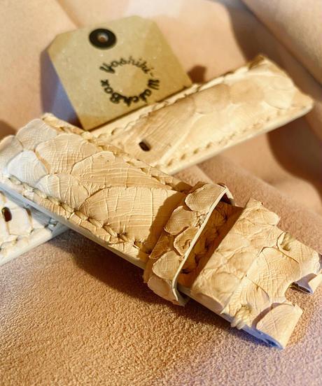 パイソン レザー 腕時計ベルト クリーム 22mm-20mm PYT-22