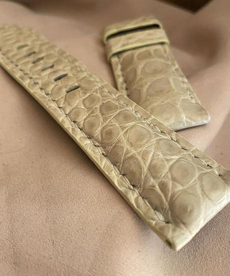 cro-540 クロコダイル レザー 腕時計ベルト クリーム (ラグ幅24mm - バックル幅22mm)