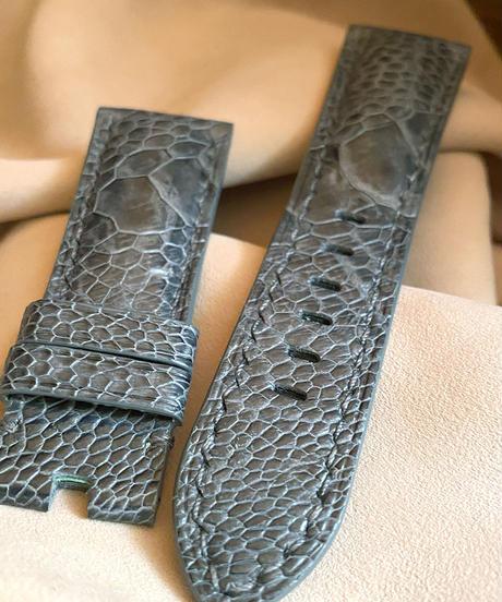 ost-123 オーストリッチレザー 腕時計ベルト グレー (ラグ幅26mm - バックル幅22mm)
