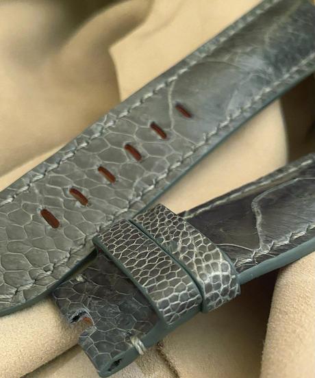 オーストリッチレザー 腕時計ベルト グレー (ラグ幅24mm - バックル幅22mm) ost-97