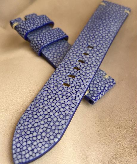 スティングレイ  腕時計ベルト ブルー (ラグ幅22mm - バックル幅20mm)  sti-68