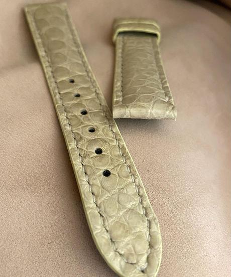cro-558 クロコダイル レザー 腕時計ベルト クローム (ラグ幅18mm - バックル幅16mm)