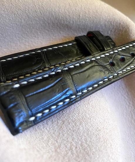 クロコダイル レザー 腕時計ベルト ブラック (ラグ幅18mm - バックル幅16mm) cro-372