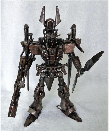 鉄くずアート 鉄人形ダブルオーライザー風