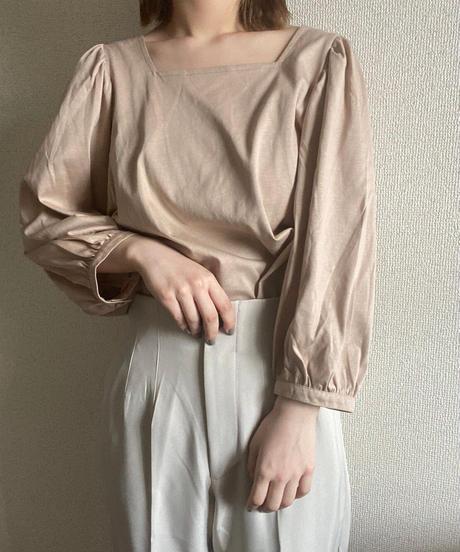 volume sleeve blouse