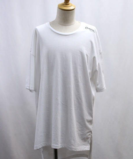 Bennu(ヴェンヌ)  120710106 / BT logo Hem Step Big Tee