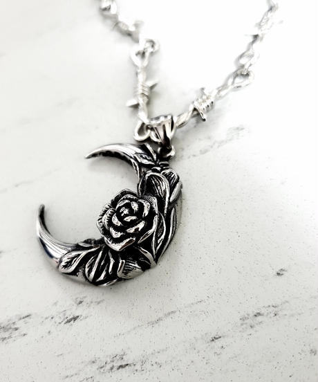 Gothicmoon Necklace