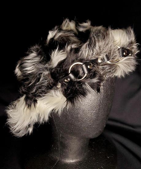 【ARTRICK×ニュリカデリック】Fur Harness Hat (blk/wht)