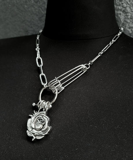 Rose×Pin Necklace