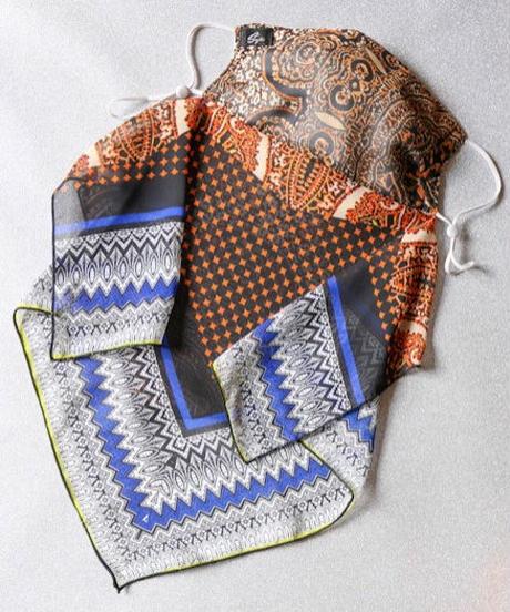 スカーフ柄マスク(ネックカバー付き)
