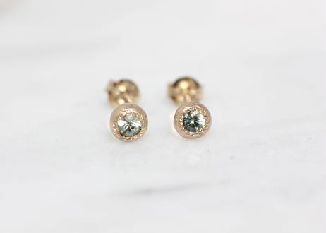 green sapphire+K10ピアス