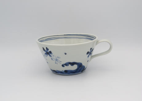 松尾貞一郎 染付の波に花のスープカップ