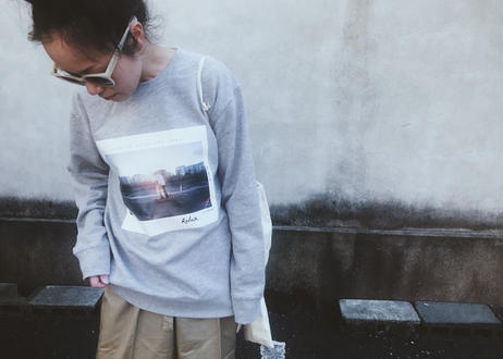 【Relax】Photography Museum Sweat (gray)